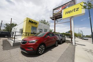 Найбільший у світі сервіс з прокату автомобілів оголосив про банкрутство