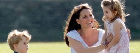 Турботлива мама: герцогиня Кембриджська на прогулянках з дітьми