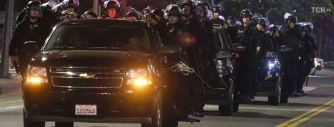 В США протесты против полицейского произвола становятся более жестокими: в толпе застрелили человека