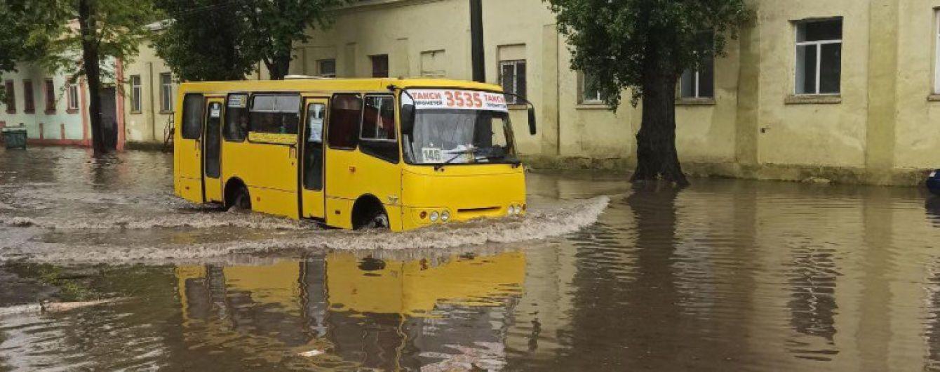 У Мережі показали затоплені вулиці Одеси після зливи