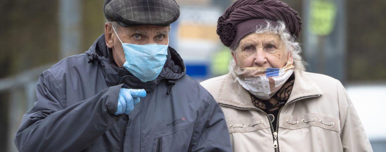 Вакцинації може бути недостатньо для захисту літніх людей від коронавірусу - вчені