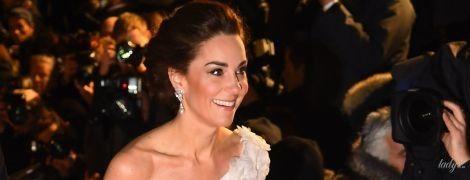 У сукні з оголеним плечем: герцогиня Кембриджська з'явилася на обкладинці глянцю