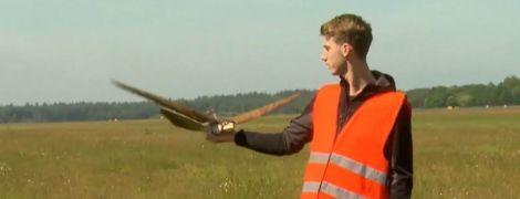 У Нідерландах аеропорт патрулюють роботи-соколи