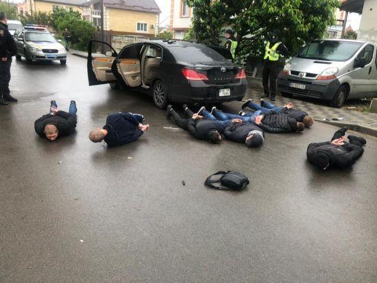 Криваві розбірки в Броварах: невідомі влаштували гучну стрілянину просто посеред вулиці