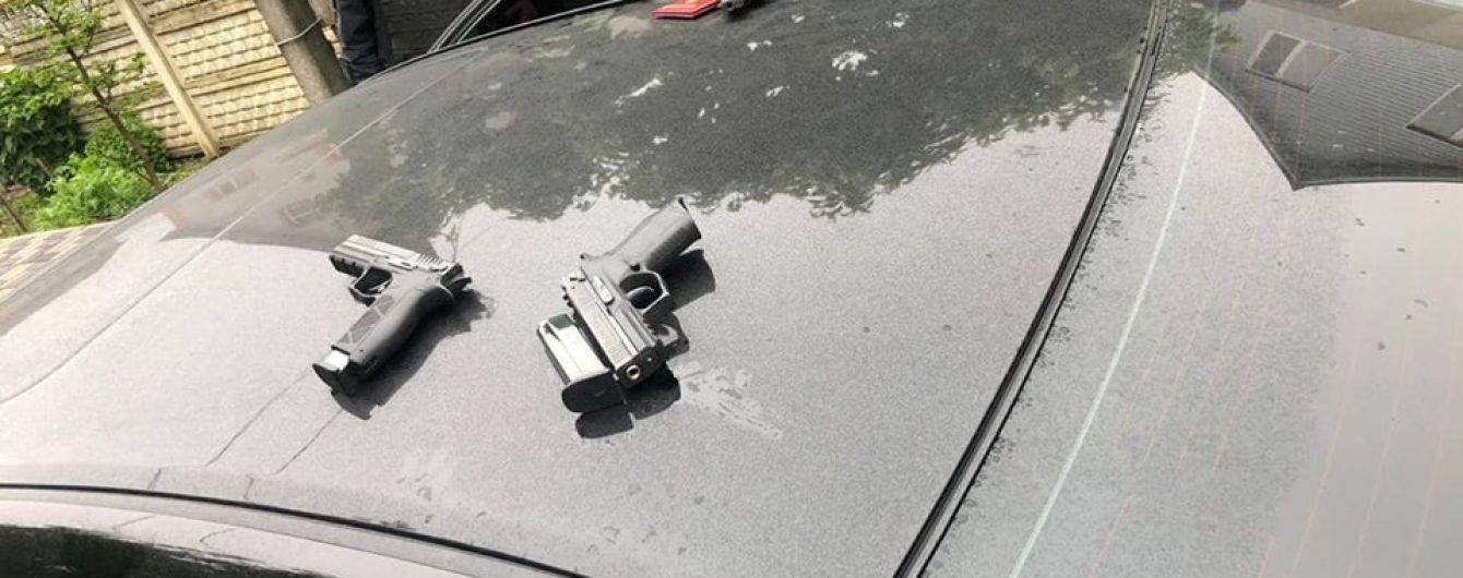Кривава перестрілка у Броварах: у зловмисників вилучили 16 одиниць зброї - поліція