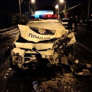 У Харкові поліцейський на Daewoo Lanos на швидкості протаранив патрульний Prius, є загиблі