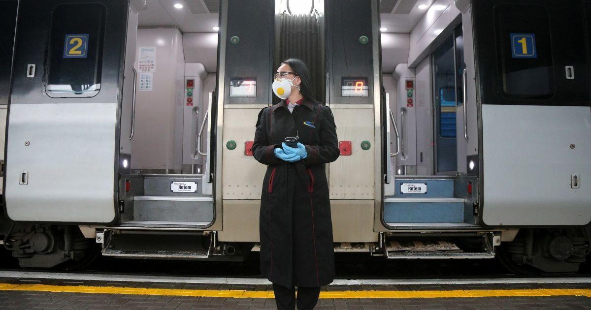 """""""Укрзалізниця"""" скоригувала розклад руху низки поїздів: перелік рейсів та напрямків, які зазнали змін"""