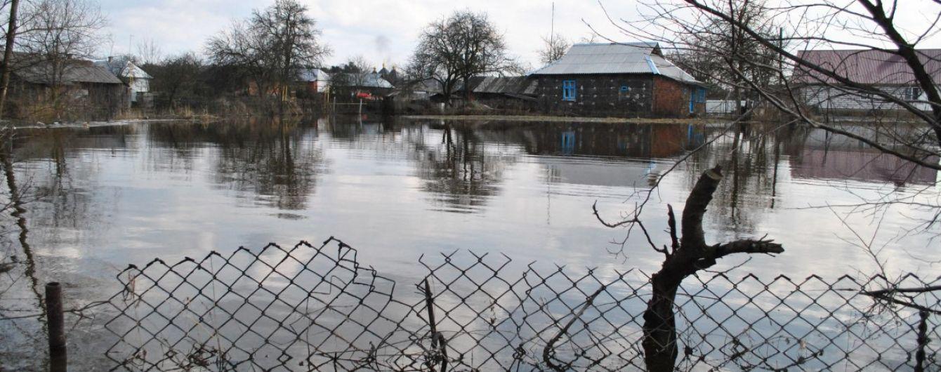 У Карпатах через зливи може затопити поля, дороги та прикордонні об'єкти