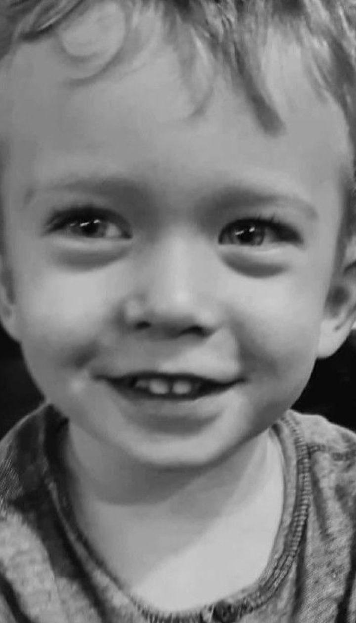 """В столичном """"Охматдете"""" мать не пустили к ребенку, который умирал в реанимации"""
