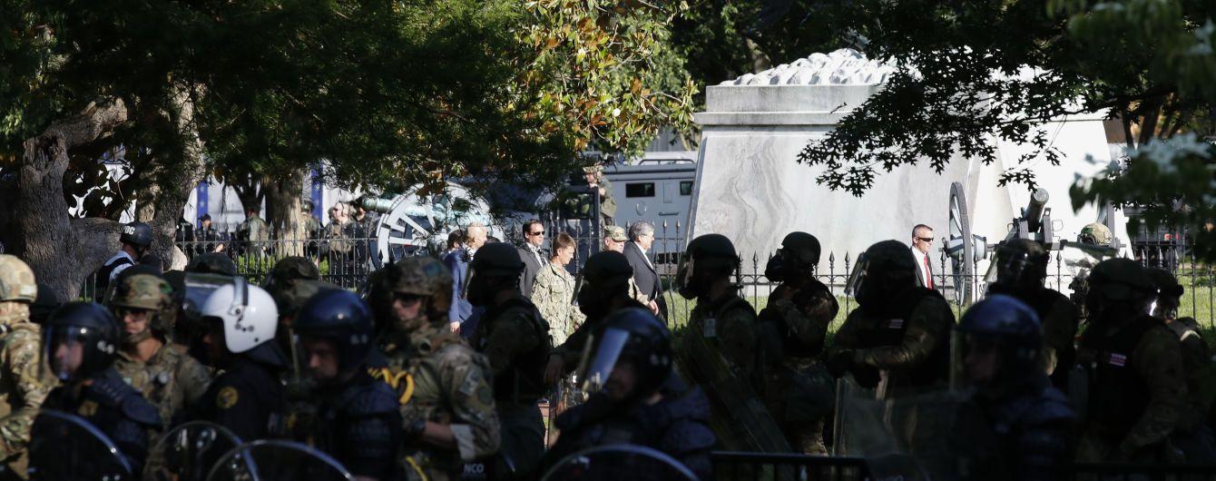 Силовики могли использовать боевые патроны для разгона толпы у Белого дома - СМИ