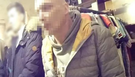В Киеве извращенец развращал и склонял к проституции 13-летних девушек