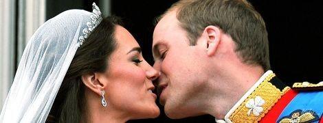 Всегда такие скромные: публичные поцелуи Кейт и Уильяма
