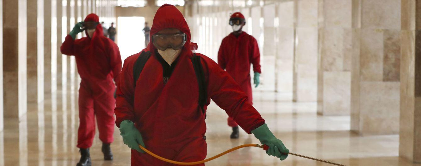 """У ВООЗ попередили про """"руйнівну"""" другу хвилю коронавірусу"""
