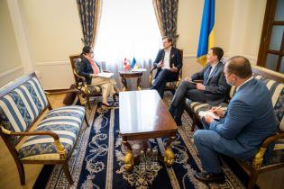 Канада надішле до України місію, яка оцінить можливість запровадження безвізу - МЗС