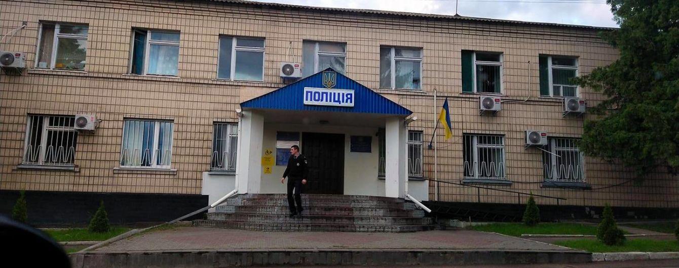Изнасилование в Кагарлыке: третьему подозреваемому полицейскому избрали меру пресечения