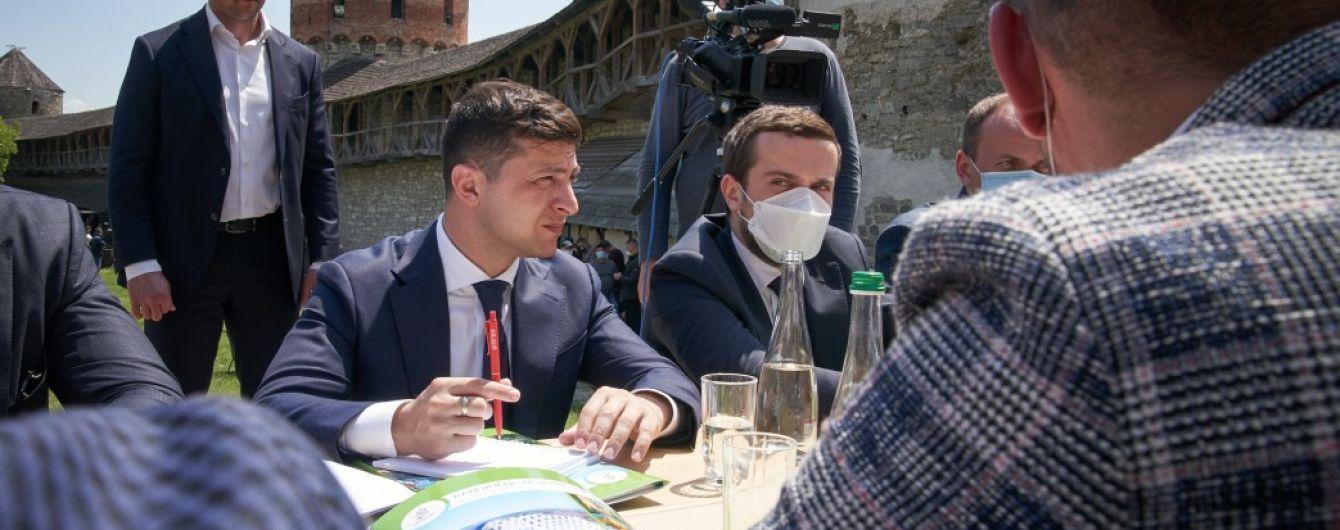Зеленский инициирует отмену виз для иностранных туристов, которые хотят посетить Украину