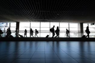 В Украине завтра восстанавливаются внутренние авиарейсы: какие новые правила ждут пассажиров