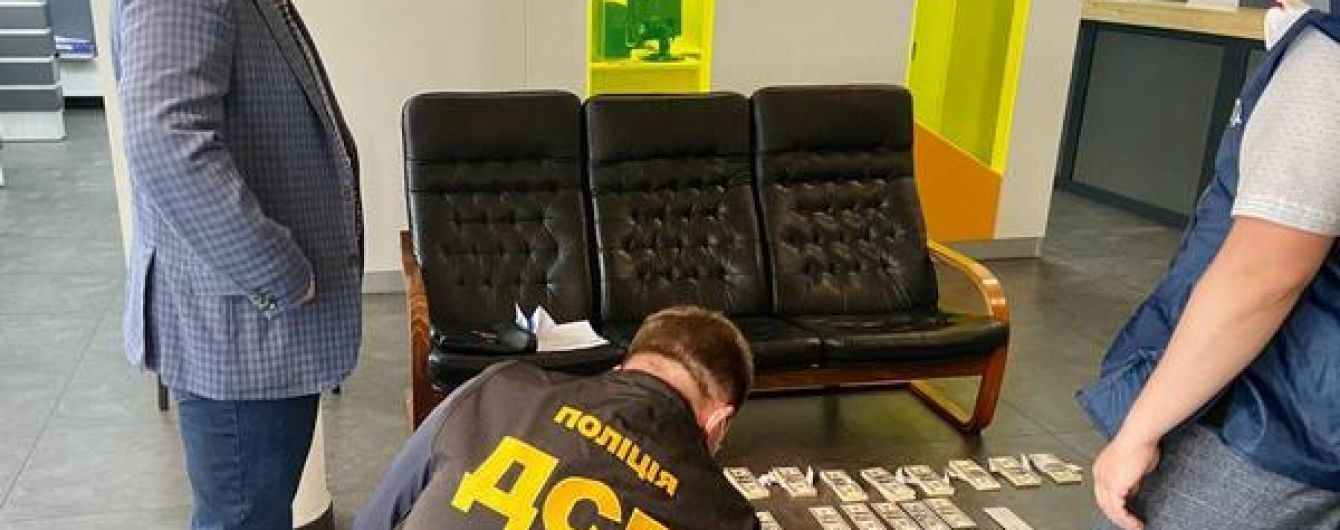 На взятке в 100 тысяч долларов США попался киевский прокурор