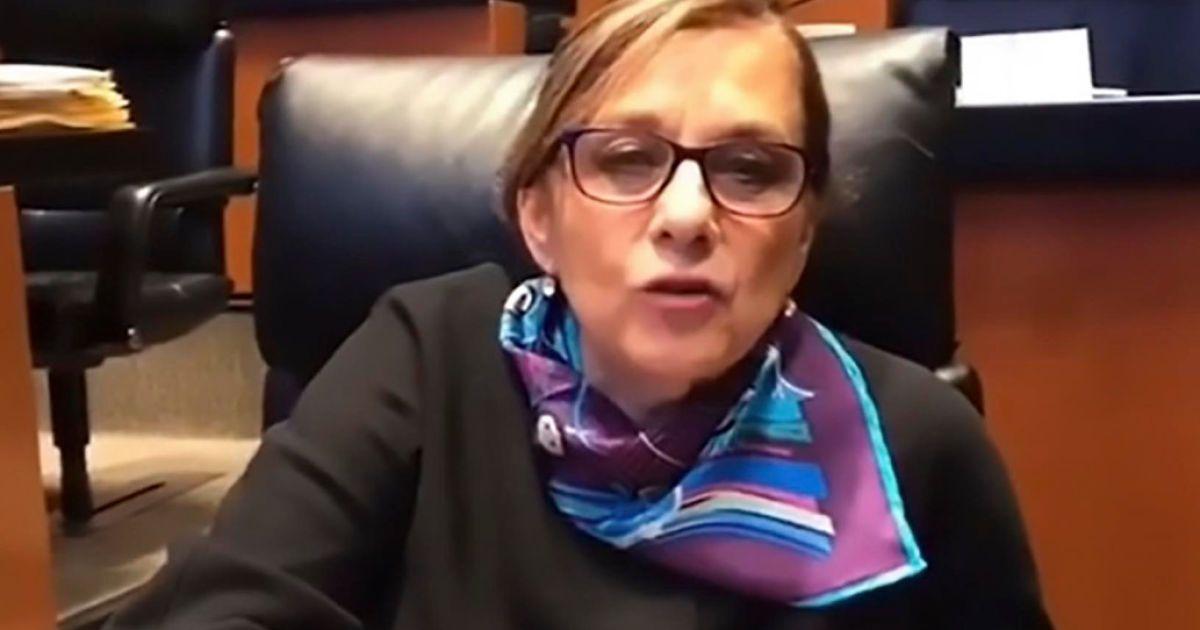 Сенатор Мексики случайно обнажила грудь во время правительственного онлайн-совещания