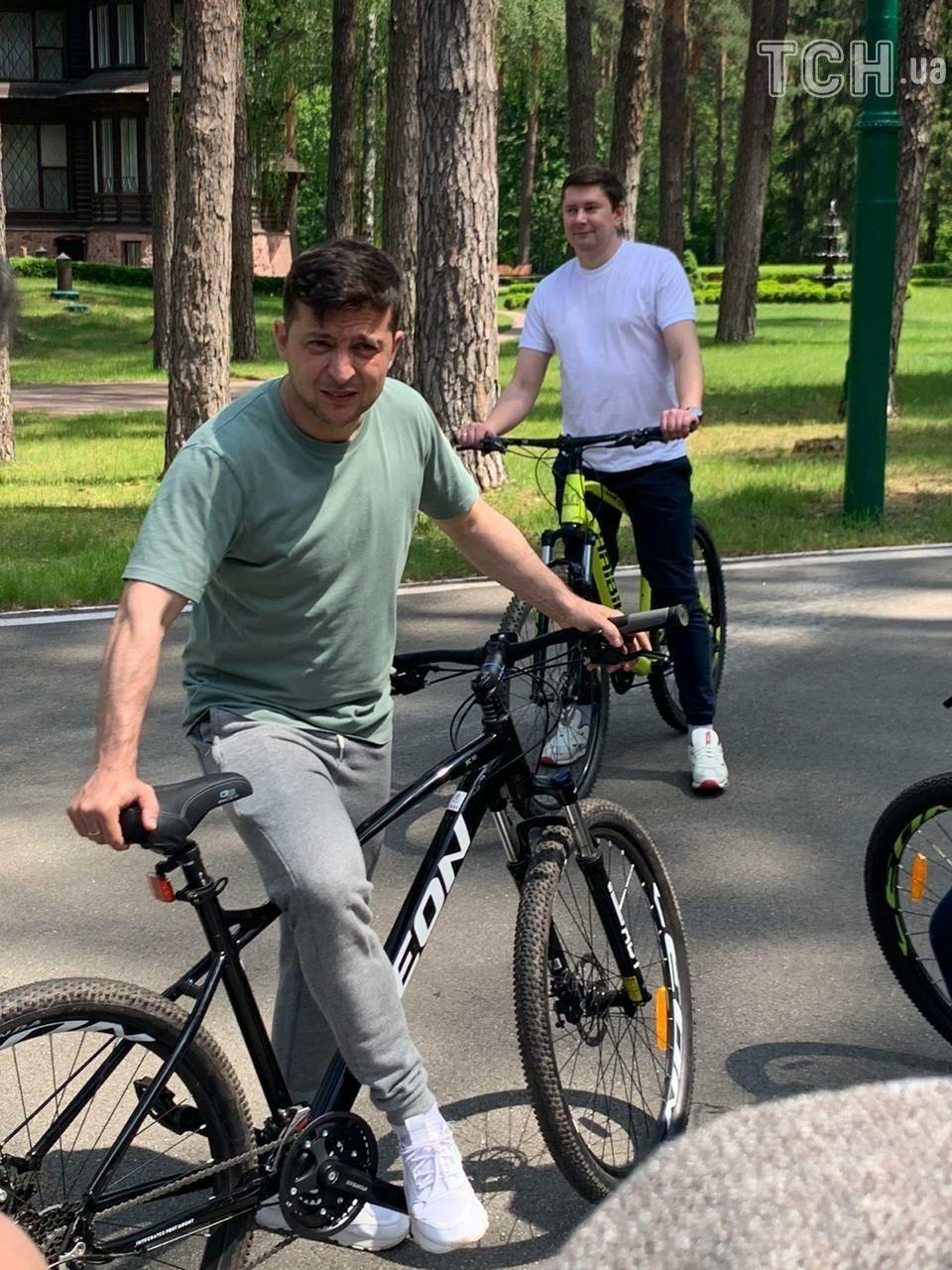 Зеленський на велосипеді