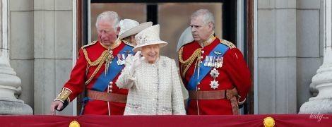 Королева Єлизавета II готується до параду: згадуємо минулорічне свято до дня народження монархині