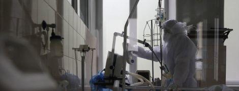 За добу в Україні різко зросла кількість померлих від коронавірусу: заразились понад 800 людей