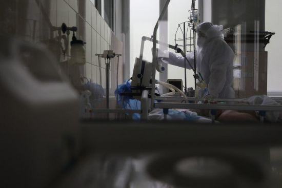 У Рівненській області коронавірусом заразилися понад 2,7 тисячі людей: недуга забрала 55 життів