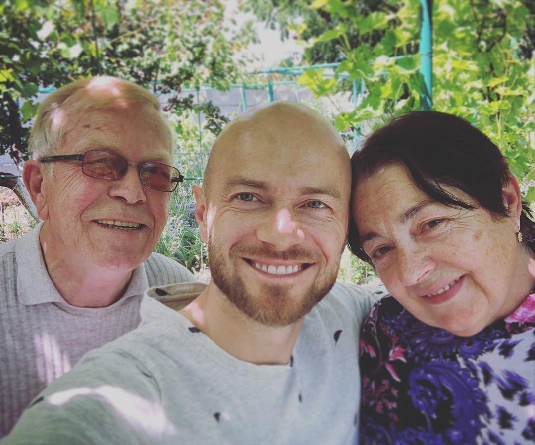 Влад Яма з батьками_1