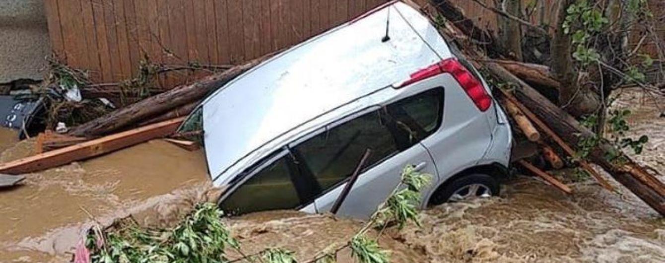 Негода накрила Європу: у Чехії вулиці затопили метрові паводки, а у Польщі смерч зривав дахи