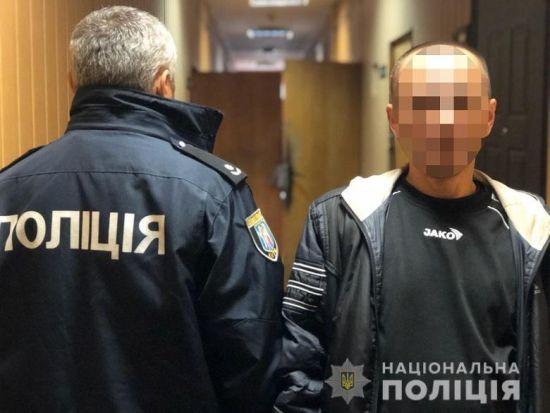 У Києві вночі напали на лікаря та викрали обладнання майже на 300 тис. грн