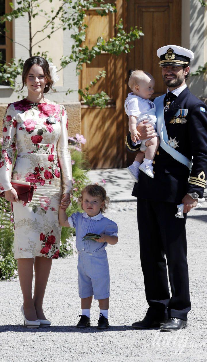 Принц Карл Филипп и принцесса София с детьми