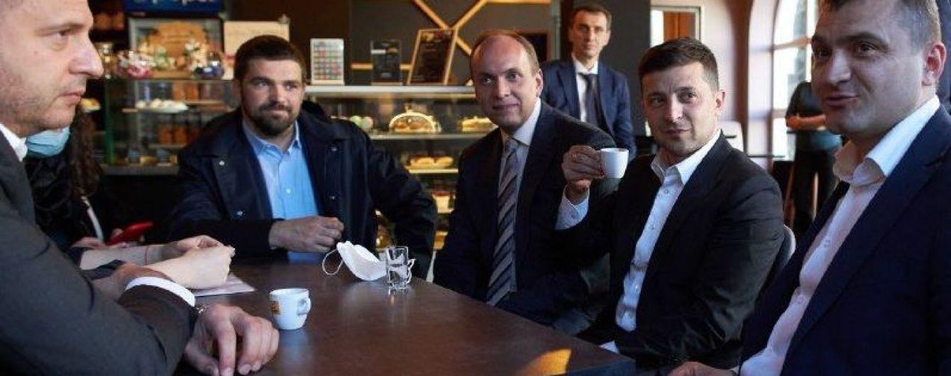 Зеленському і Ляшку виписали штраф за відвідування кафе у Хмельницькому