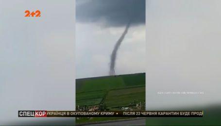 Западной Украиной прошелся гигантский торнадо