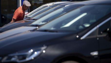 Водителям рассказали, почему солнцезащитный экран в жару лишь повредит автомобилю