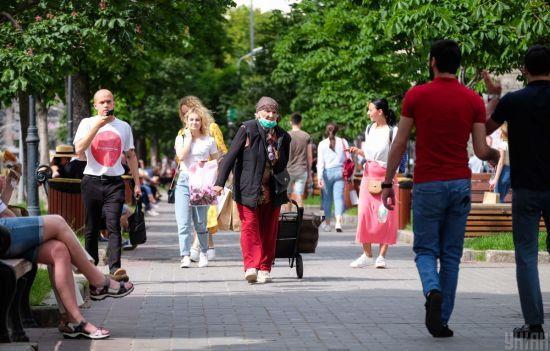 Коронавірус в Україні: за добу інфікованих виявили у всіх регіонах, смерті зафіксували у 9 областях