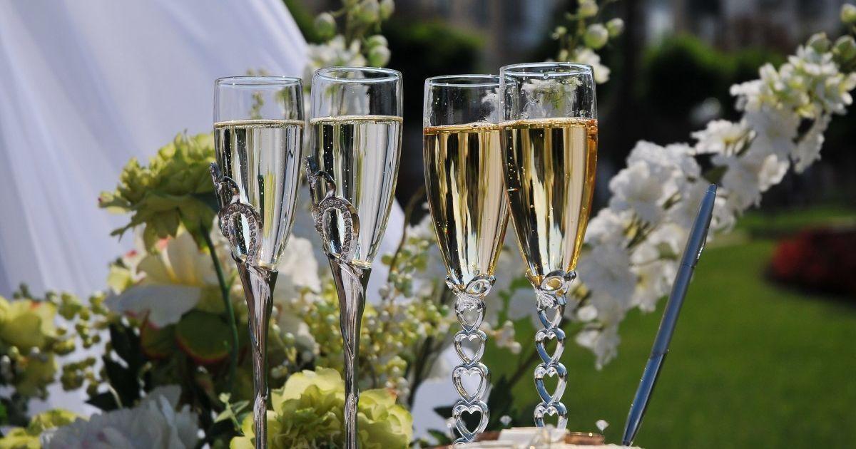 Услуга доступна в любом ЗАГСе: сколько супружеских пар в Украине поженились повторно
