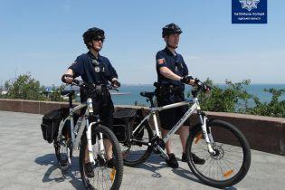 На вулиці Одесивперше виїхав поліцейський велопатруль