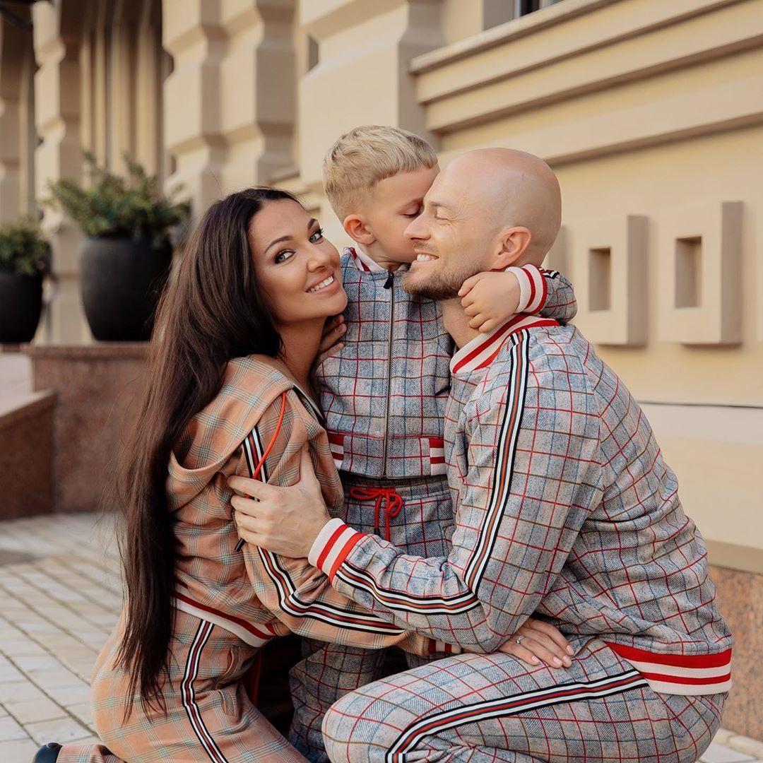 Влад Яма з дружиною і сином_3
