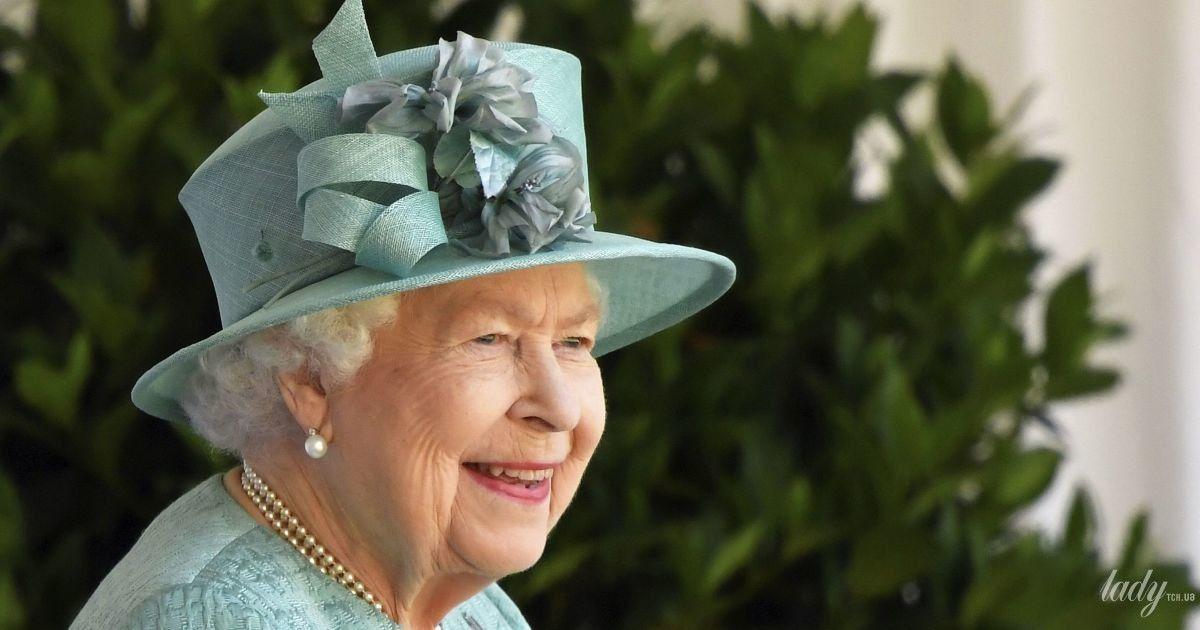 Королева Елизавета II отменила все запланированные садовые вечеринки