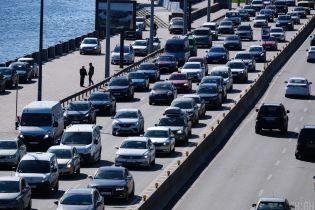 У Києві за підсумками липня збільшилася інтенсивність руху авто: де стали їздити більше