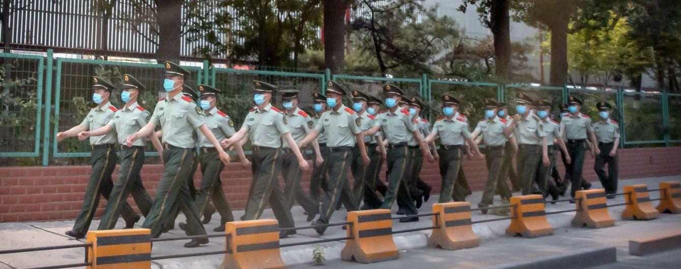 В Китае 11-миллионный город объявил военное положение из-за вспышки коронавируса