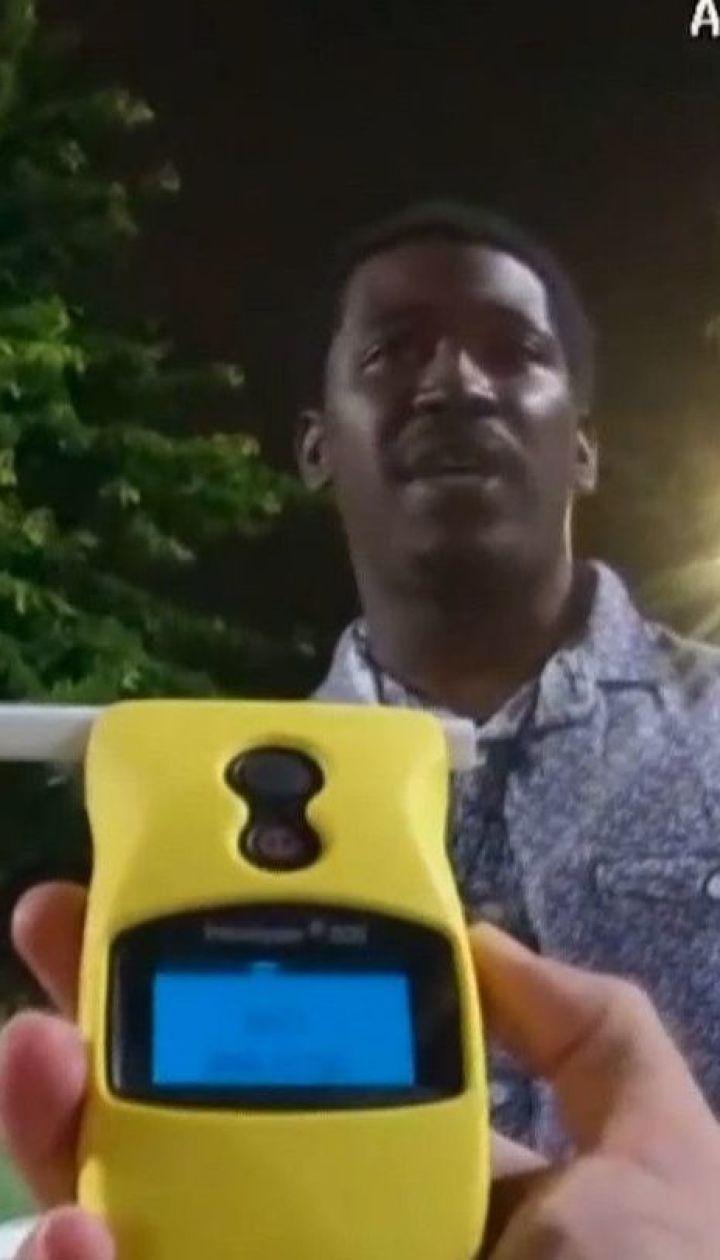 Новая вспышка протестов в США: копы при задержании застрелили темнокожего мужчину