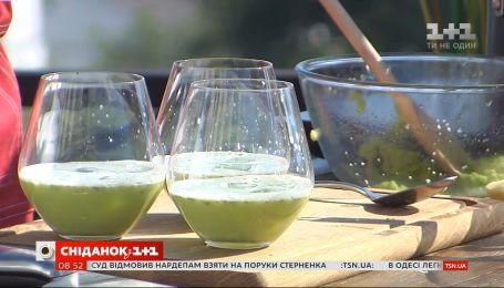 Готовим холодный суп из зеленого горошка и имбиря с Евгением Клопотенком