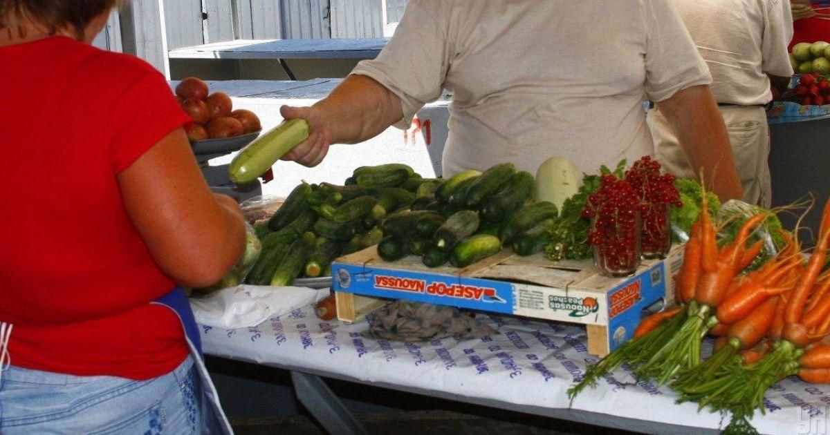 На украинских рынках подорожали огурцы, цуккини, зато цены на картофель, свеклу и морковь снизились