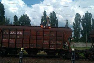 В Киевской области из-за удара тока погиб ребенок, который вылез на товарный вагон