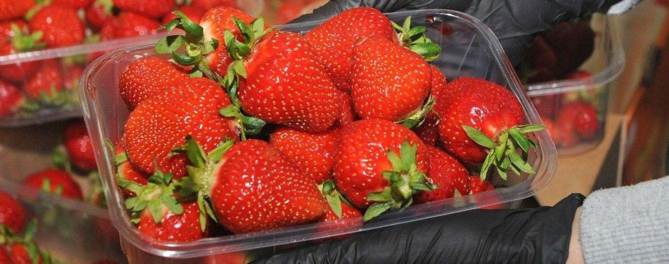 Полуниця в Україні стрімко дешевшає: як змінилася ціна ягід