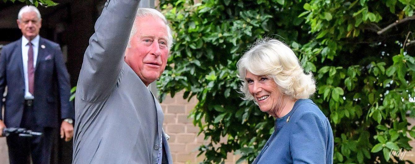 Вперше після карантину: принц Чарльз і герцогиня Корнуольська вийшли у світ