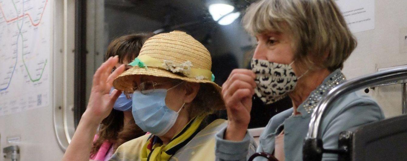 У Києві знову зросла кількість інфікованих коронавірусом: у якому районі найгірша ситуація