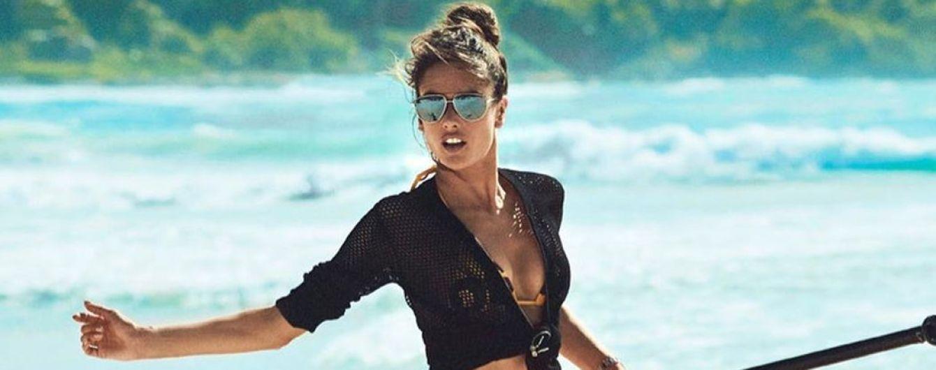 Як богиня: Алессандра Амбросіо поділилася новими пляжними знімками