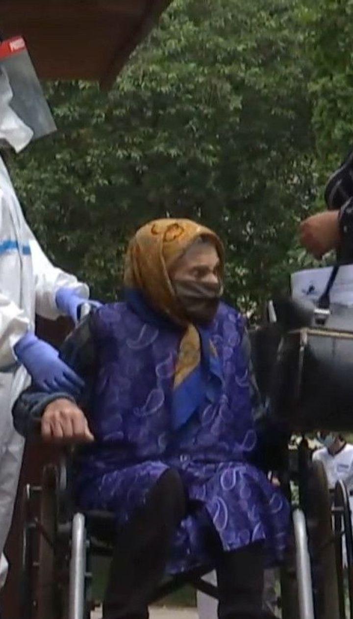 В Ровно 92-летняя женщина преодолела коронавирус легче, чем ее 66-летняя дочь